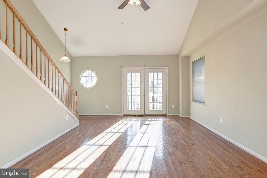 French doors lead out to a cozy balcony - 20387 BIRCHMERE TER, ASHBURN