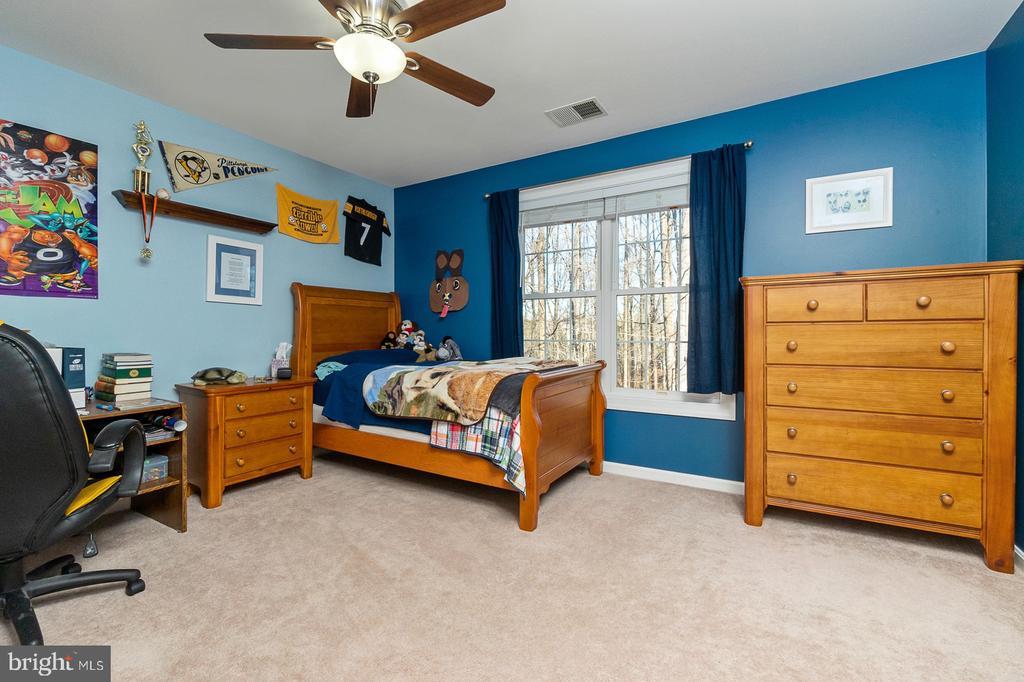 Bedroom #3 - Upper Level - 1515 JUDD CT, HERNDON