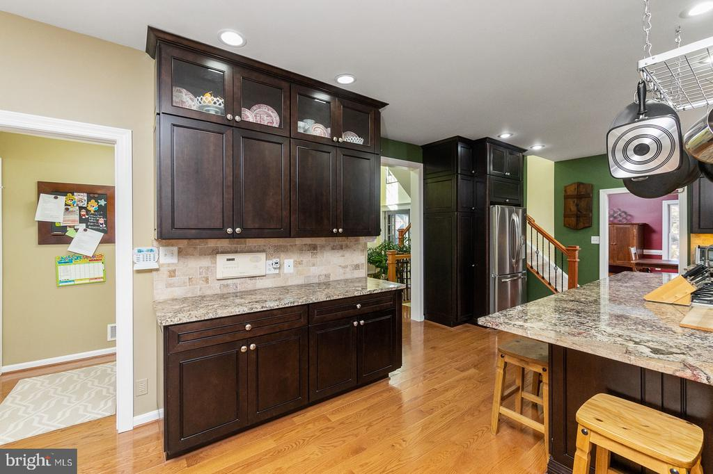 Gorgeous Hardwoods thru-out Most of Main Level - 1515 JUDD CT, HERNDON