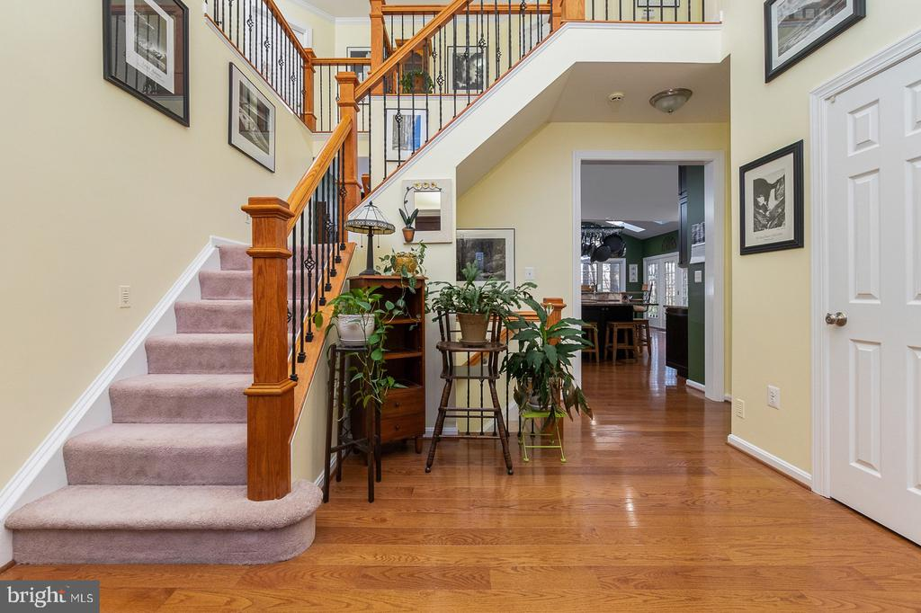 Custom-Built Colonial-Style Layout - 1515 JUDD CT, HERNDON