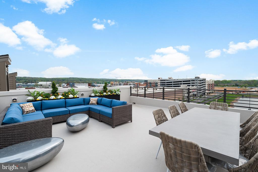 Rooftop - 43199 MONGOLD SQ, ASHBURN