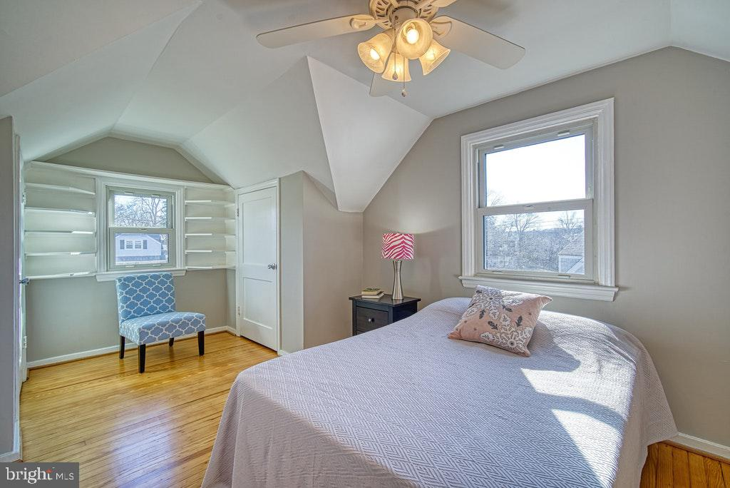 All bedrooms have ceiling fans - 2102 DARTMOUTH DR, ALEXANDRIA