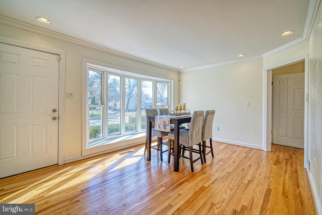 Newly refinished floors - 2102 DARTMOUTH DR, ALEXANDRIA