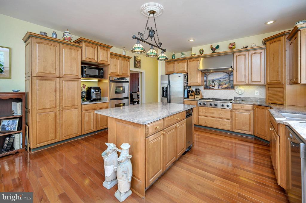 And Plenty of Room for All the Cooks! - 6142 WALKER'S HOLLOW WAY, LOCUST GROVE