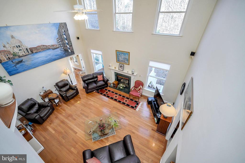 Two-Story Great Room - 6142 WALKER'S HOLLOW WAY, LOCUST GROVE