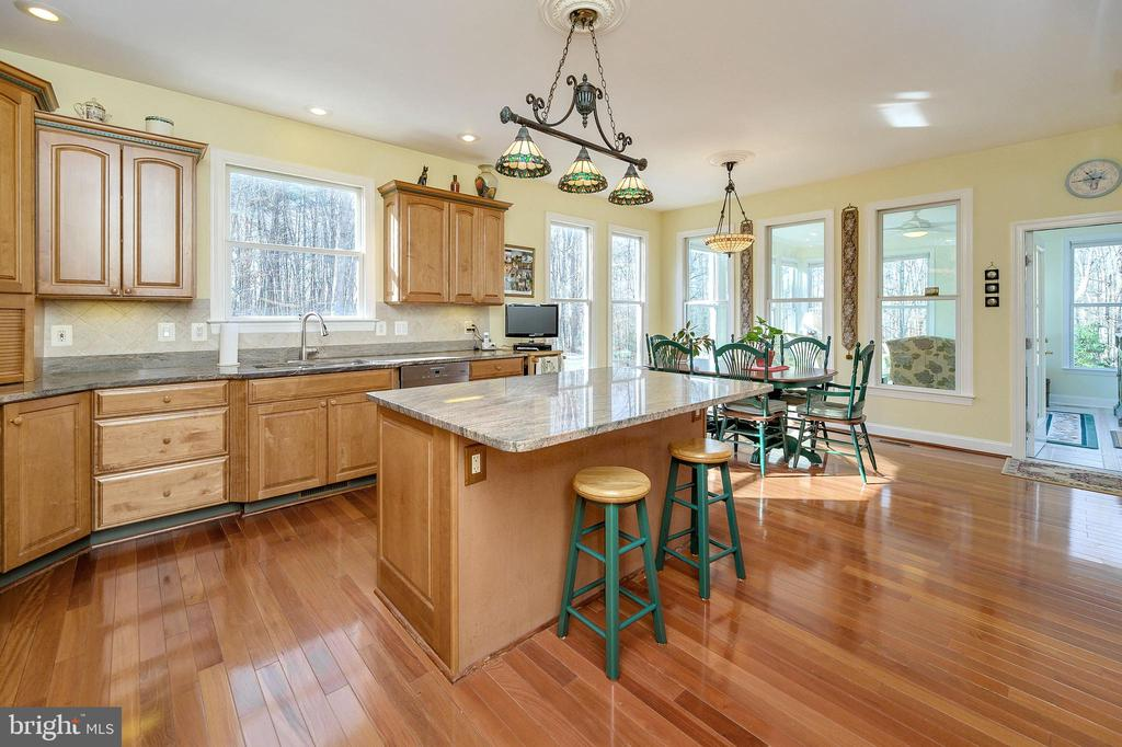 Country-sized Kitchen with Center Island... - 6142 WALKER'S HOLLOW WAY, LOCUST GROVE