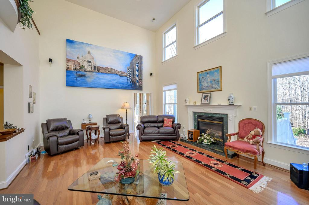 Brightly-lit with Rosewood Floors... - 6142 WALKER'S HOLLOW WAY, LOCUST GROVE