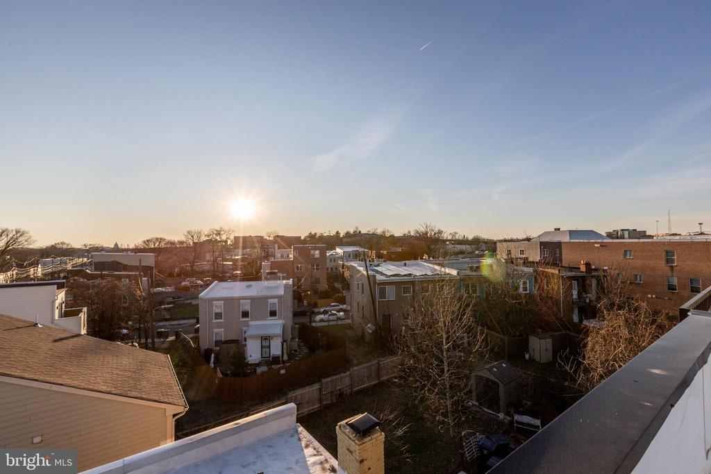 View from the roof deck - 1944 CAPITOL AVE NE #4, WASHINGTON