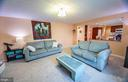Comfortable Family Room Adjacent to Kitchen - 123 APPLEGATE DR, STERLING