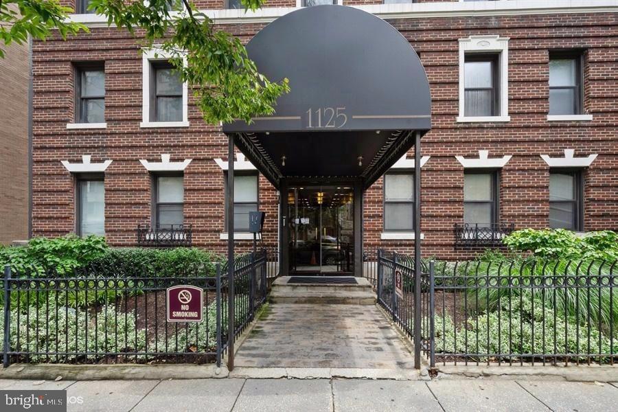 Building entrance door - 1125 12TH ST NW #2, WASHINGTON