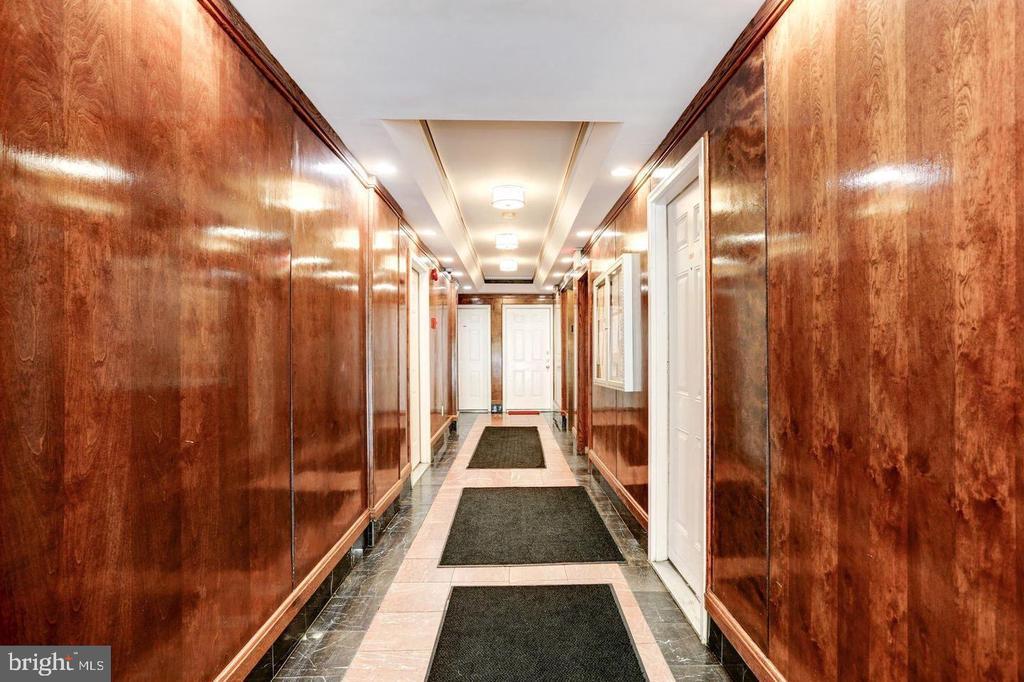 Building first floor Hallway - 1125 12TH ST NW #2, WASHINGTON