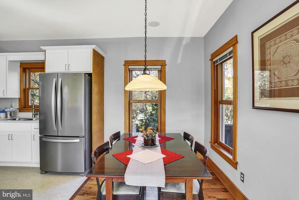 Dining room - open floor plan design - 12606 TRILLIUM GLEN LN, LOVETTSVILLE