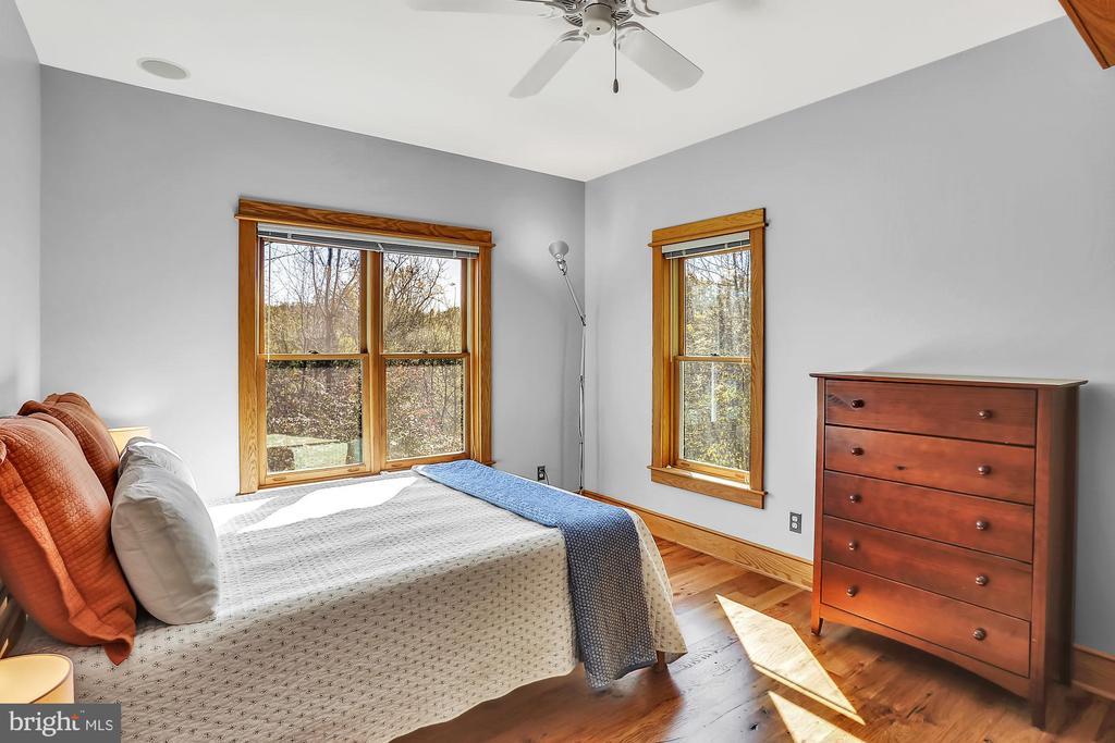 Main Level Master Bedroom - 12606 TRILLIUM GLEN LN, LOVETTSVILLE