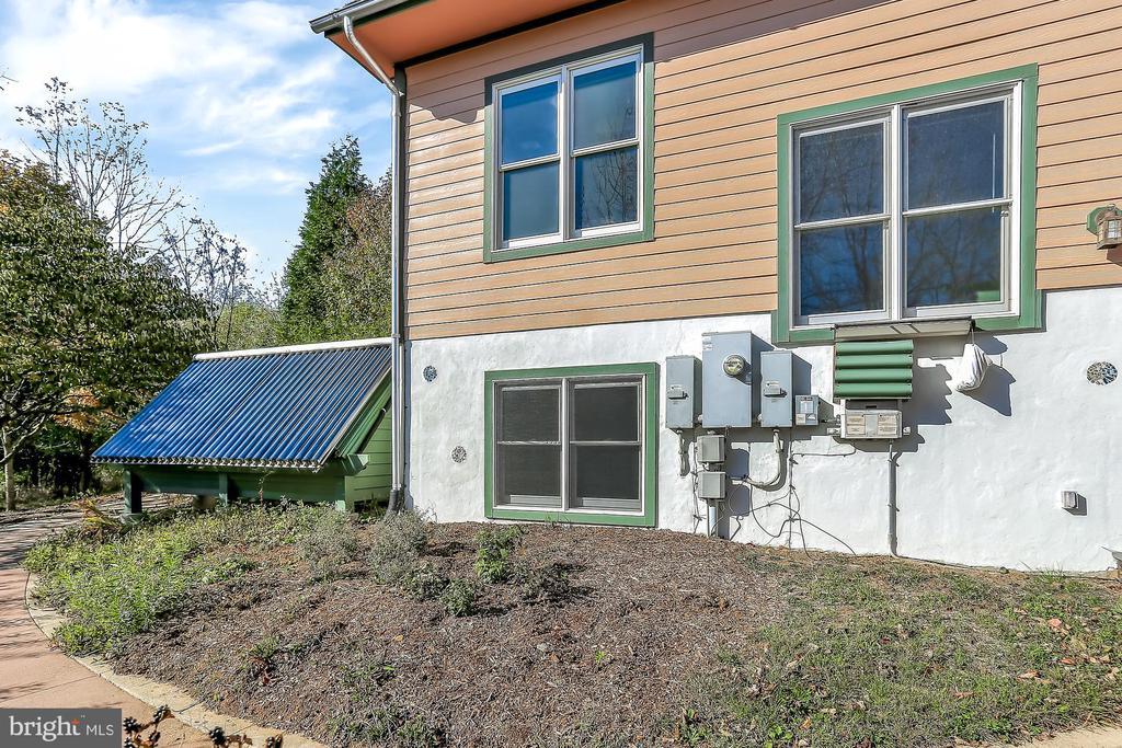 Solar Thermal Evacuated Tubes heat water for home - 12606 TRILLIUM GLEN LN, LOVETTSVILLE