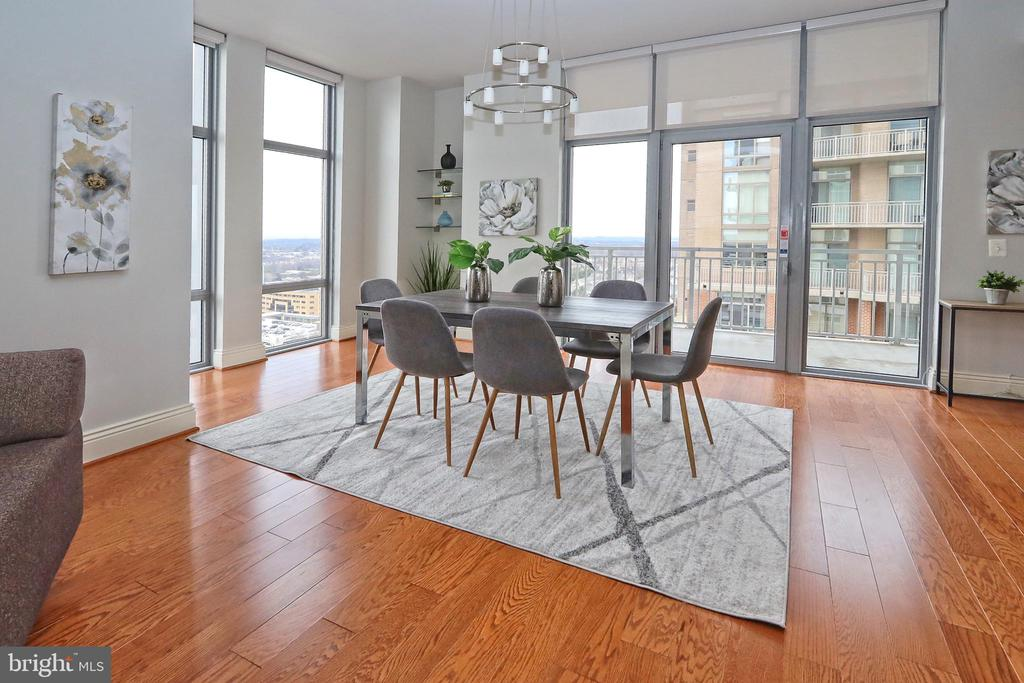 Great space for family and friends - 11990 MARKET ST #1914, RESTON