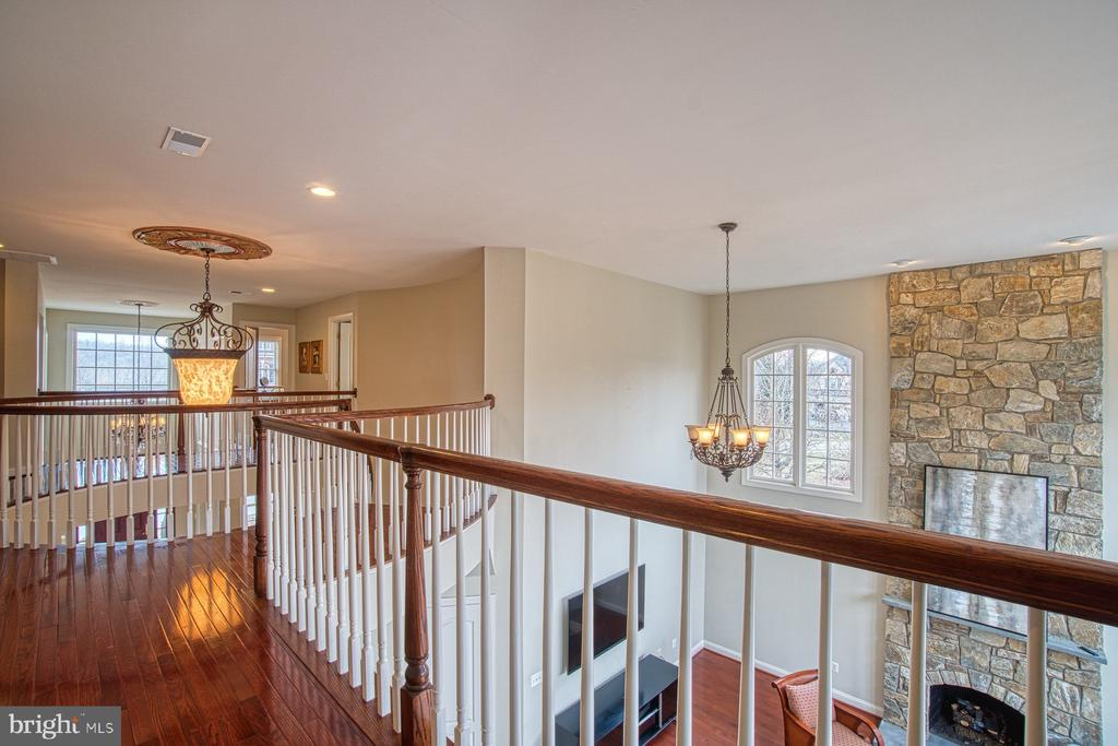- 17075 WINNING COLORS PL, LEESBURG