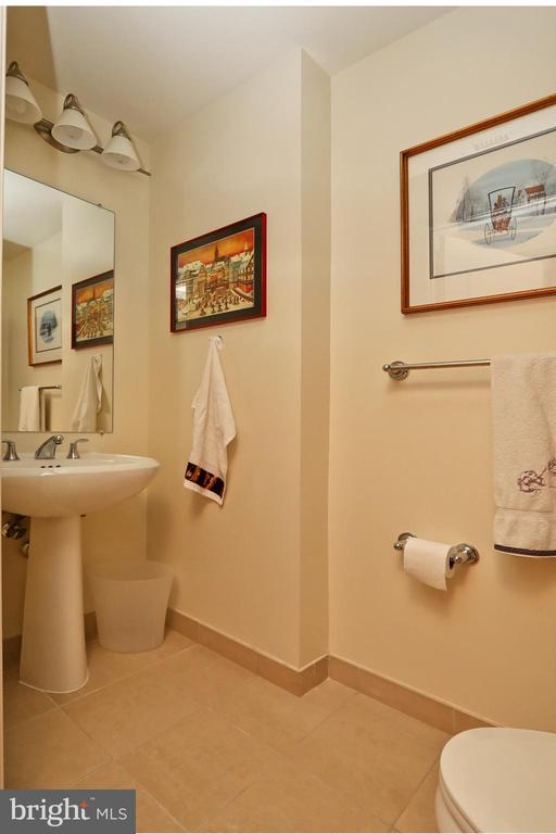 A powder room for guests - 11990 MARKET ST #1914, RESTON