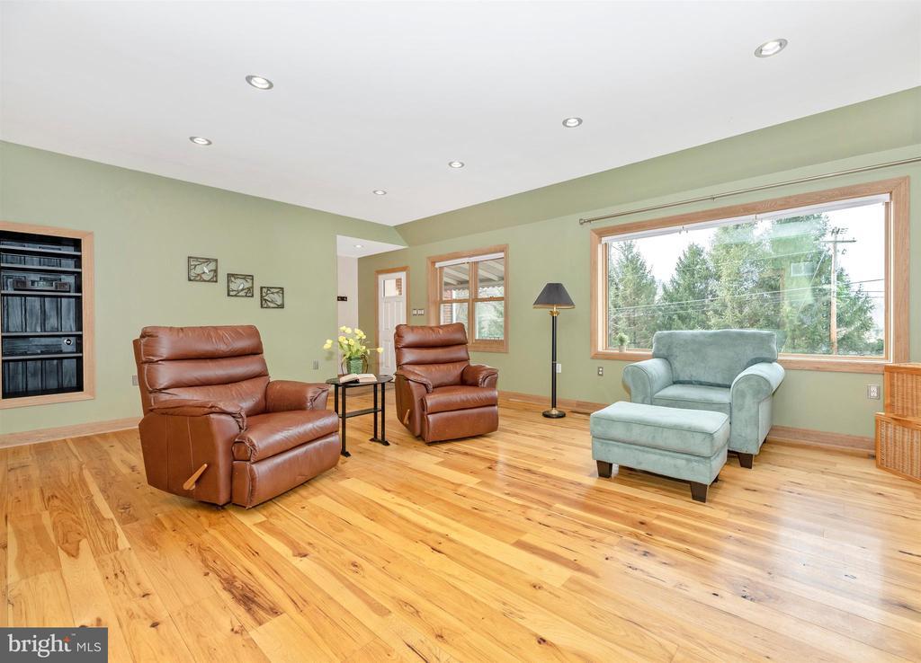 The floors are random width hickory - 2805 THURSTON RD, URBANA
