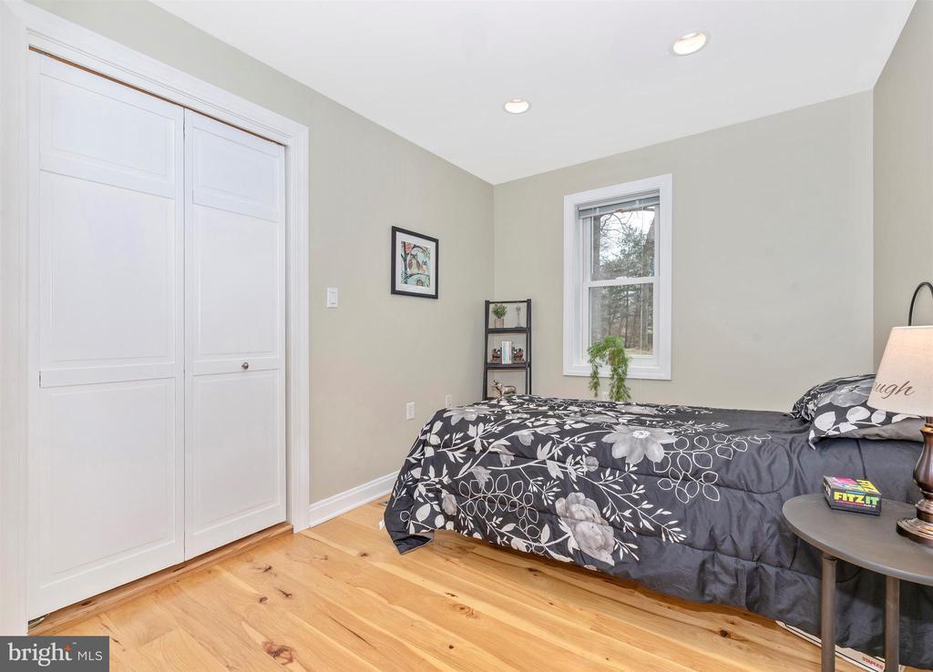 Bedroom 3 - 2805 THURSTON RD, URBANA