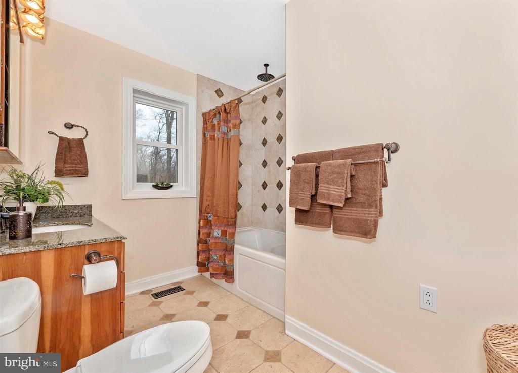 Wonderful tile work - 2805 THURSTON RD, URBANA