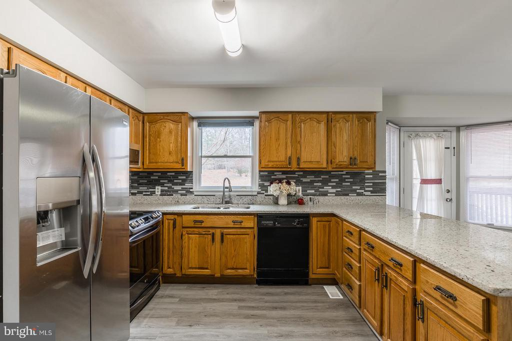 Remodeled Kitchen - 135 LADY JANE LN, FREDERICKSBURG