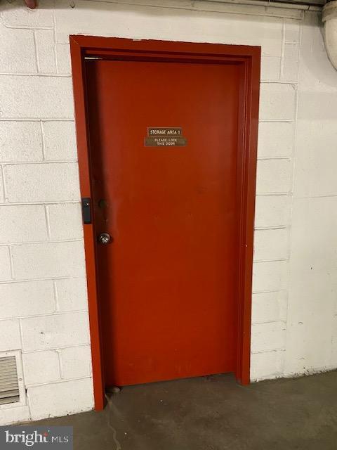 Storage Room in Garage - 1300 ARMY NAVY DR #105, ARLINGTON