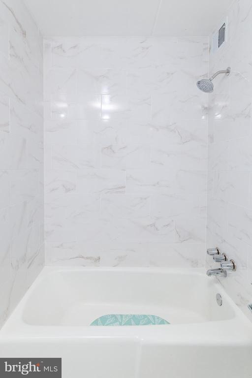 Renovated Bathroom - 5743 N KINGS HWY #364, ALEXANDRIA