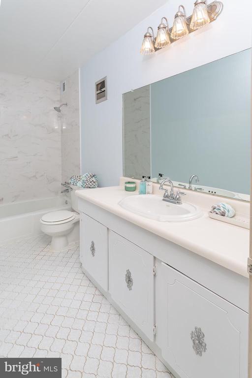 renovated bathroom - 5743 N KINGS HWY, ALEXANDRIA