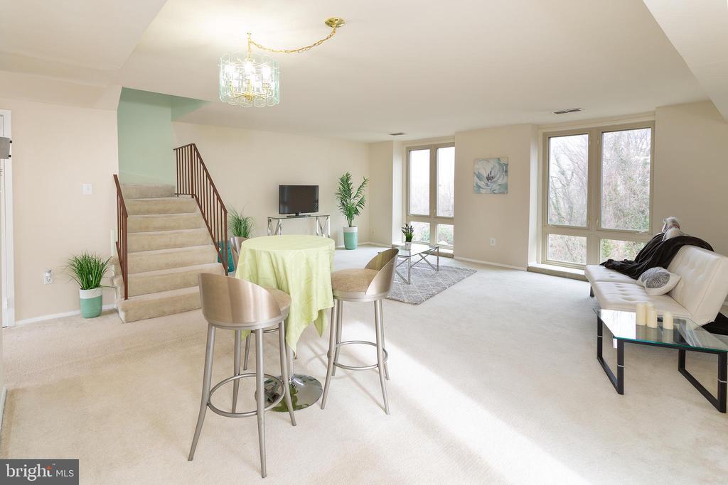 Spacious livingroom / Dining room - 5743 N KINGS HWY, ALEXANDRIA