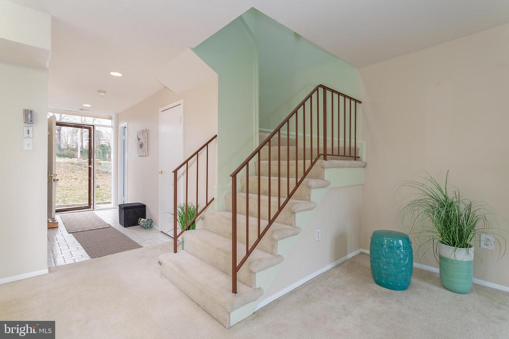 Two levels Townhome - 5743 N KINGS HWY, ALEXANDRIA