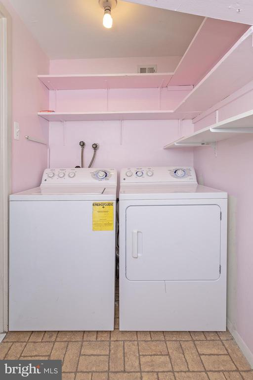 in-unit washer/Dryer - 5743 N KINGS HWY #364, ALEXANDRIA