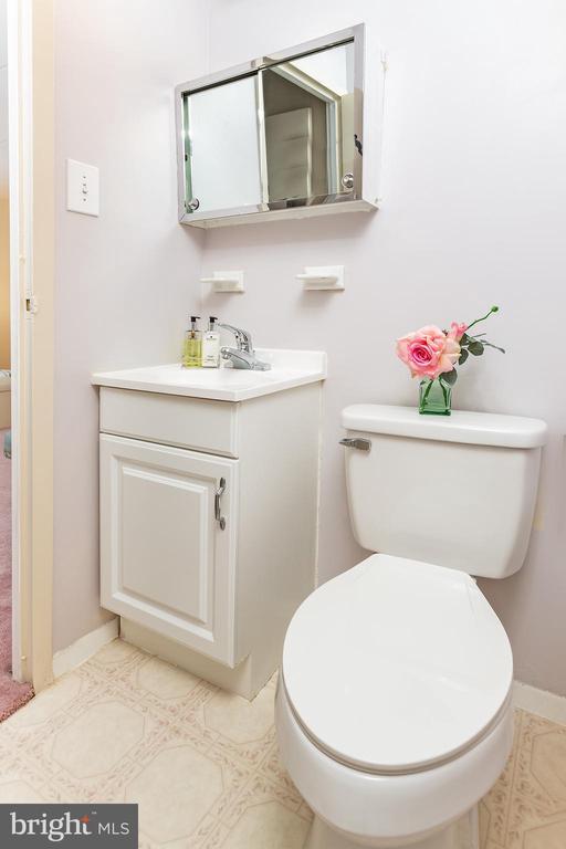 1/2 bath inside master bedroom - 5743 N KINGS HWY, ALEXANDRIA