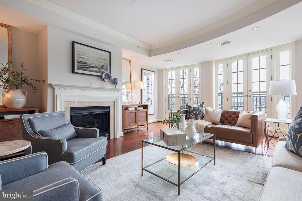 Living room - 2501 WISCONSIN AVE NW #303, WASHINGTON