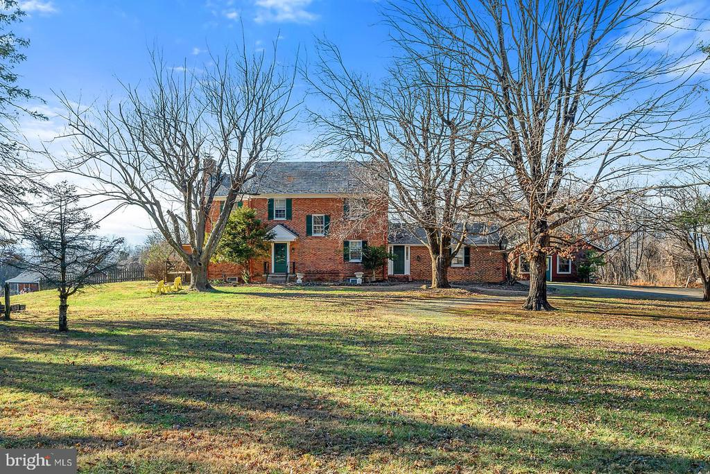 Pastoral setting w/ stunning western views! - 18217 CANBY RD, LEESBURG