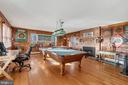 Fam/game room opens to screened porch, deck & VIEW - 18217 CANBY RD, LEESBURG