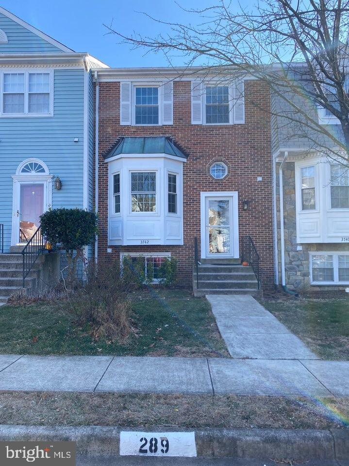 Photo of 3742 BROOMSEDGE CT, FAIRFAX, VA 22033