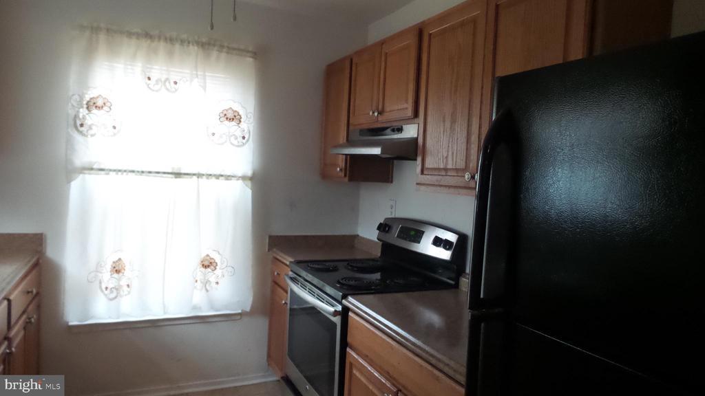 Kitchen - 7615 INGRID PL, LANDOVER