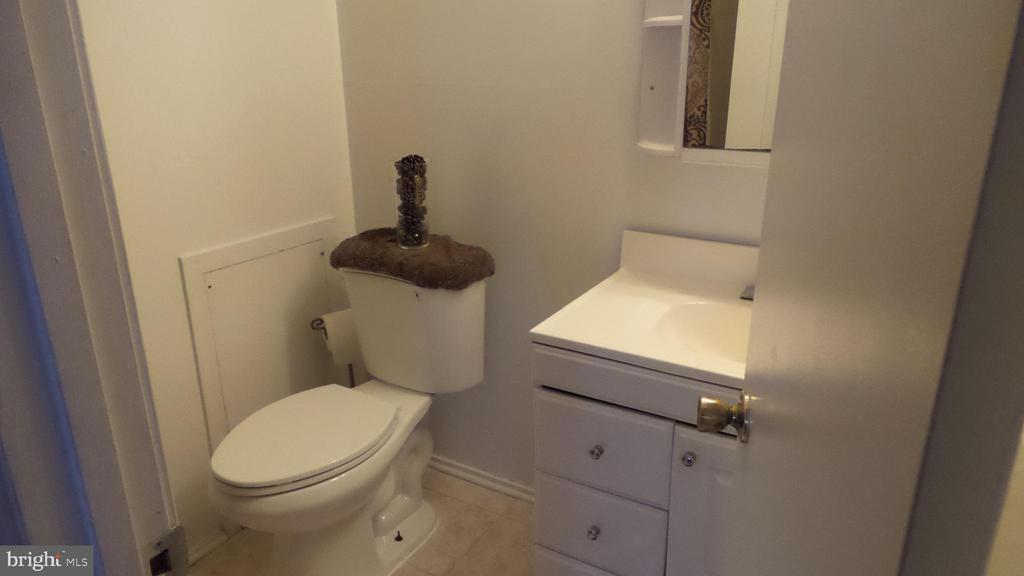 Owner's bath - 7615 INGRID PL, LANDOVER