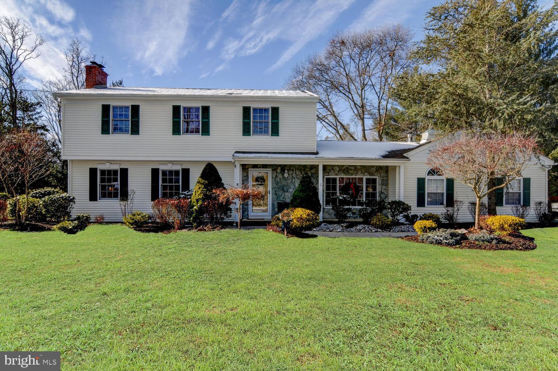 Single Family Homes 为 销售 在 伊顿敦, 新泽西州 07724 美国