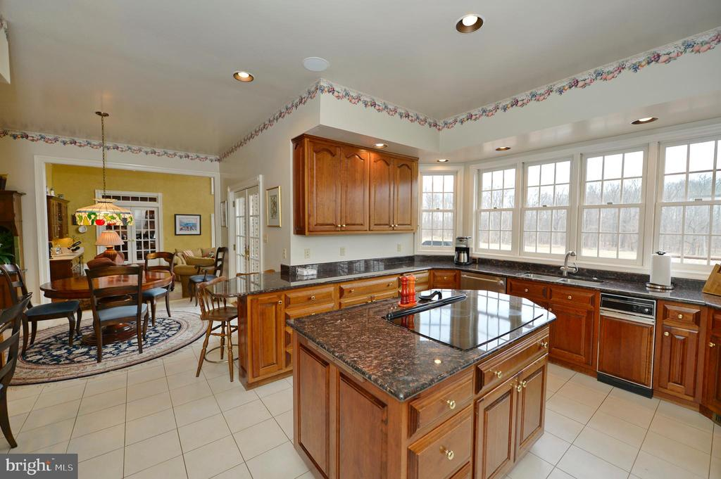 Kitchen - 37120 DEVON WICK LN, PURCELLVILLE