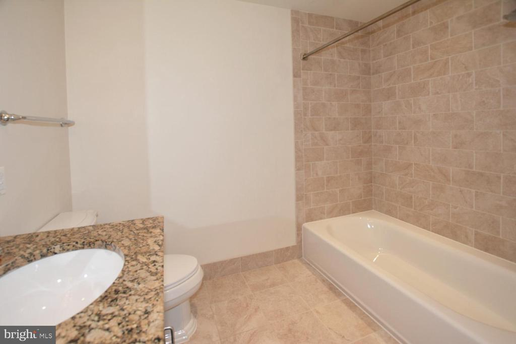 THIRD BATHOOM WITH TUB & SHOWER  CERAMIC TILES - 8220 CRESTWOOD HEIGHTS DRIVE #1818, MCLEAN