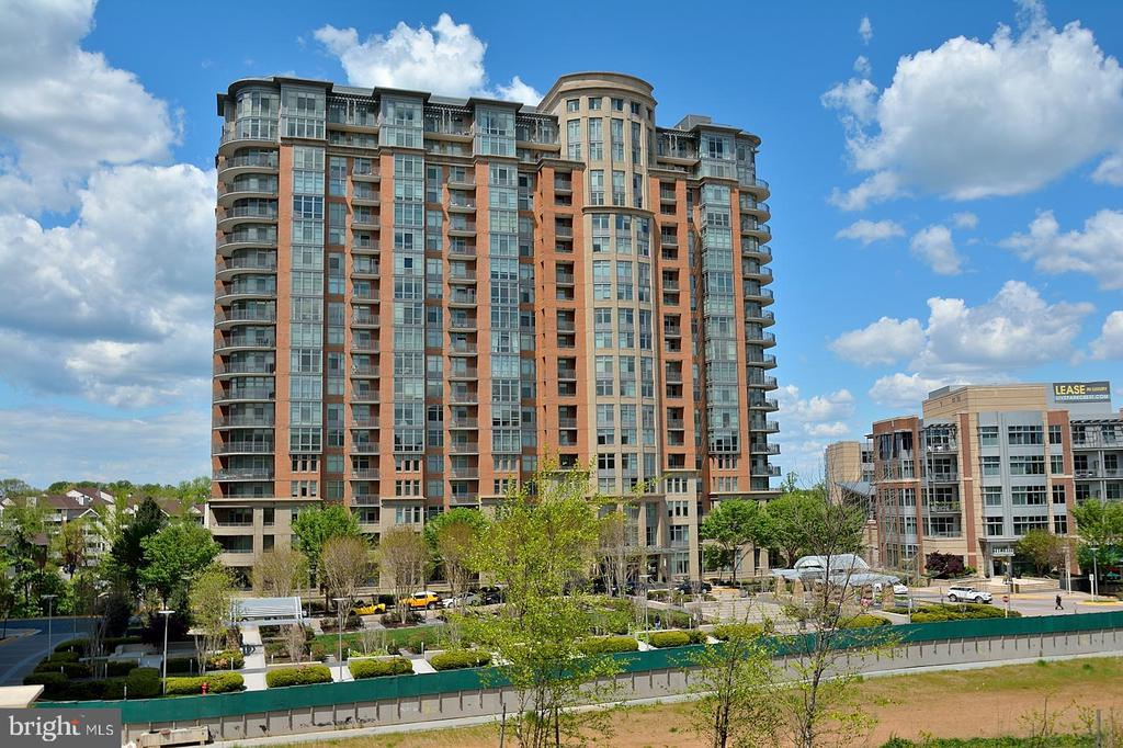 VIEW OF THE BUILDING  MCLEAN - 8220 CRESTWOOD HEIGHTS DRIVE #1818, MCLEAN