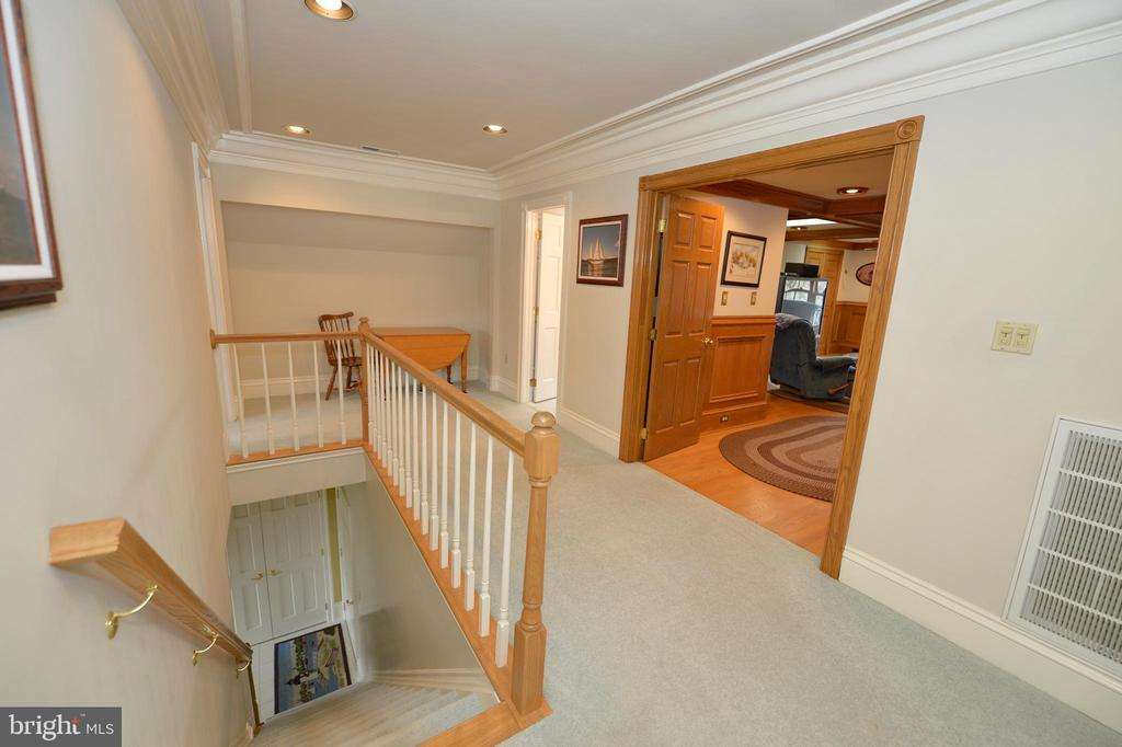Back stair and club room - 37120 DEVON WICK LN, PURCELLVILLE