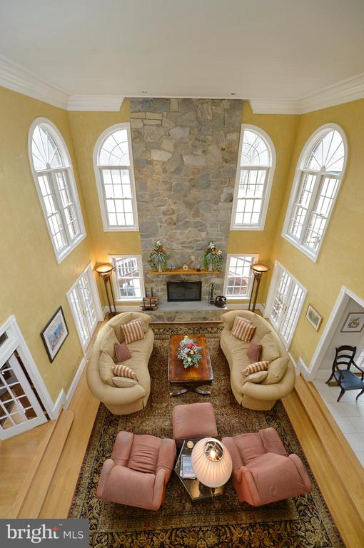 Family room view from upper landing - 37120 DEVON WICK LN, PURCELLVILLE