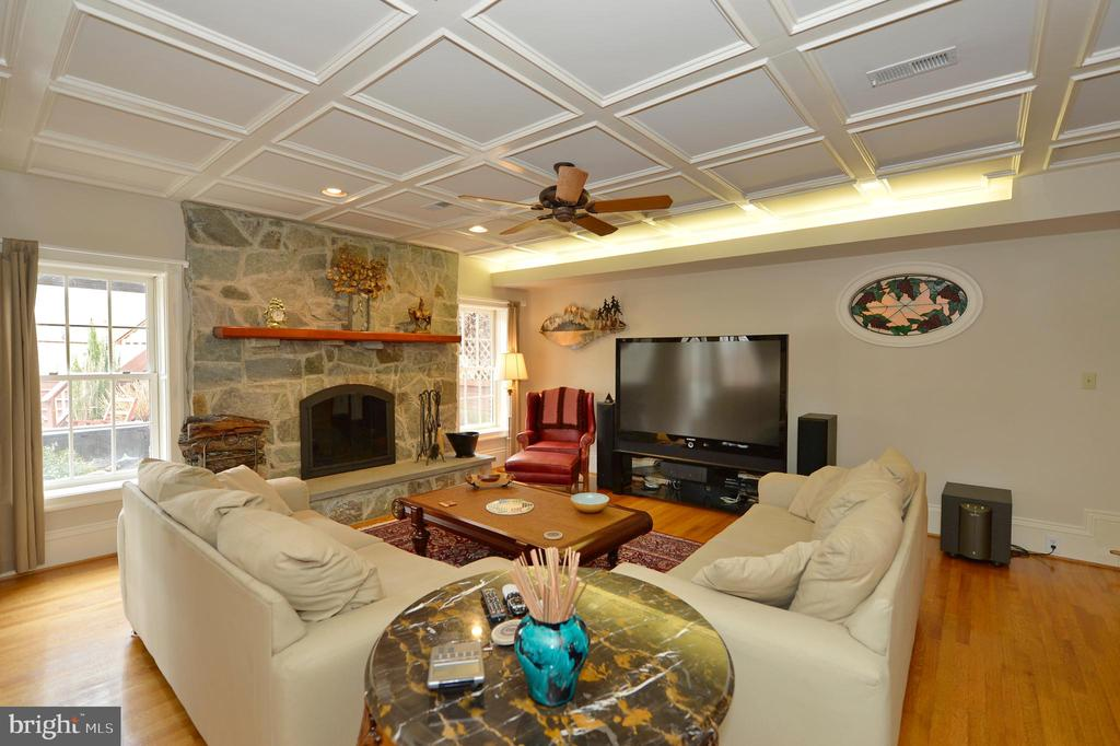 Lower level family room - 37120 DEVON WICK LN, PURCELLVILLE