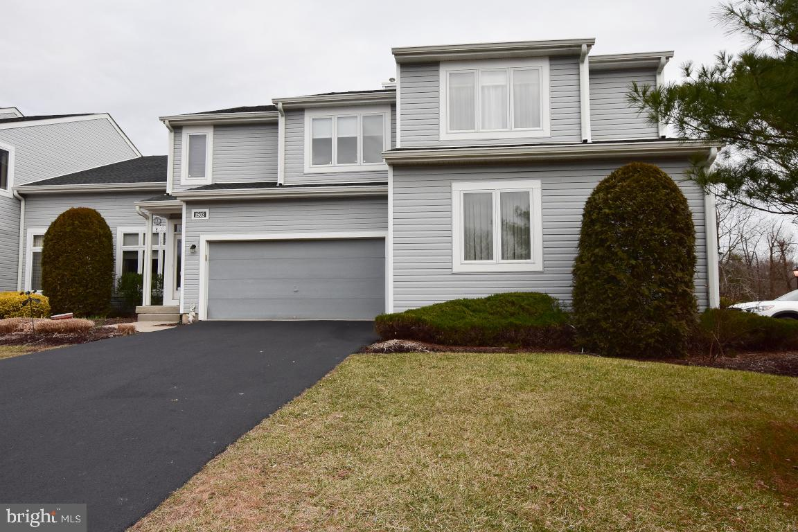 Photo of home for sale at 1503 Champlain Drive, Voorhees NJ