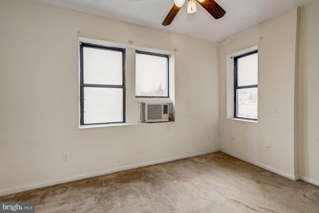 Second Bedroom - 5 RHODE ISLAND AVE NW #401, WASHINGTON