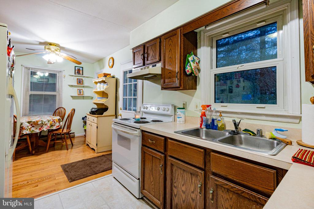 Eat in Kitchen - 6 TANNERY CT, THURMONT