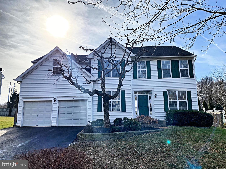 Single Family Homes для того Продажа на Hightstown, Нью-Джерси 08520 Соединенные Штаты