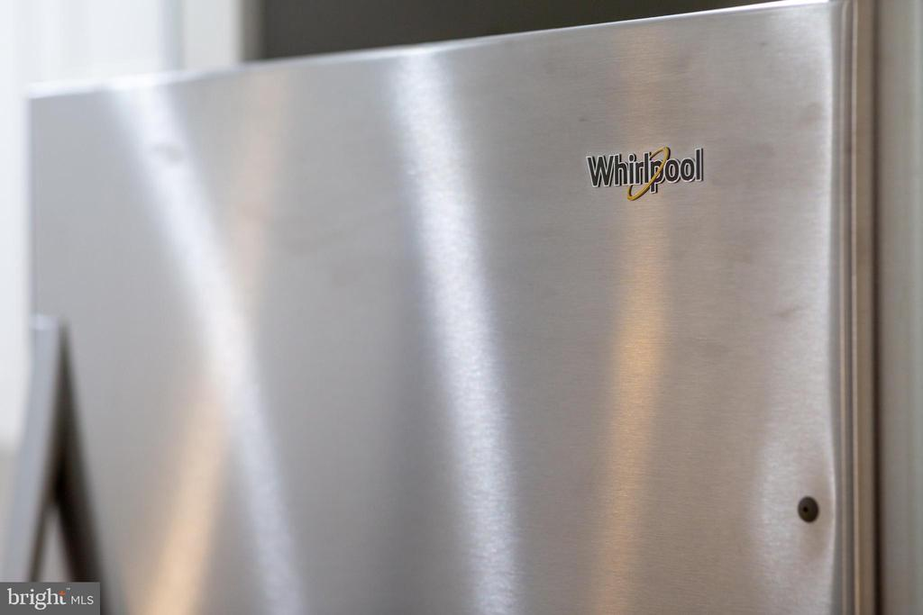 Stainless steel appliances - 411 MELLON ST SE ##2, WASHINGTON